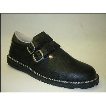 LOTE - 7  Sapato de trabalho em pele com forro em pele e sola de Pneu